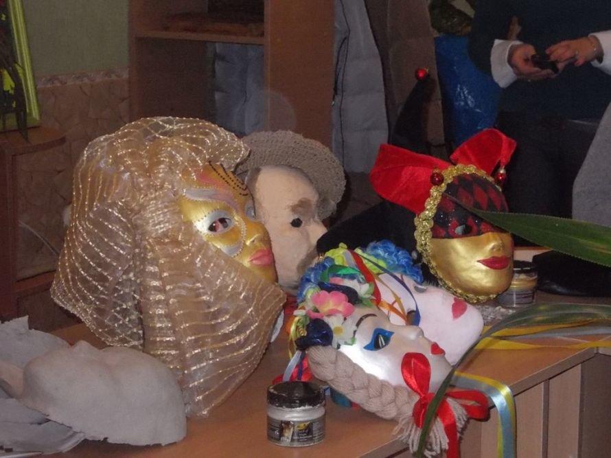Артемовские педагоги осваивали технику изготовления «накидок на лицо», фото-2