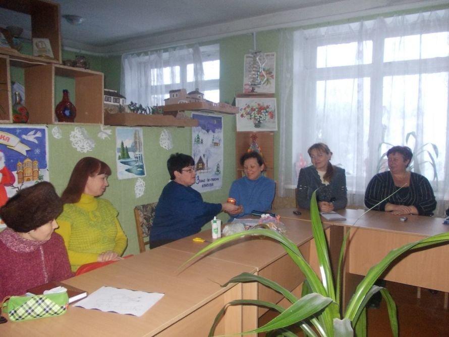 Артемовские педагоги осваивали технику изготовления «накидок на лицо», фото-4
