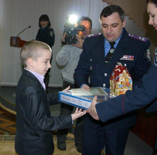 21_12_2012_Мариуполь_Конкурс_Рисунков_2s