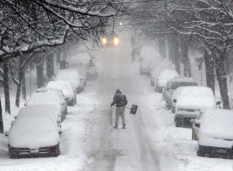 В Кременчуг пришёл Снег! Справиться с ним можно только сообща, фото-1