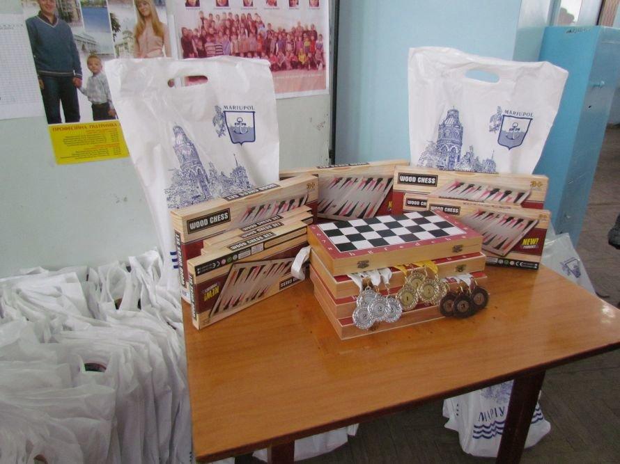 В Мариуполе детям из многодетных семей прививали любовь к шахматам(ФОТО), фото-3