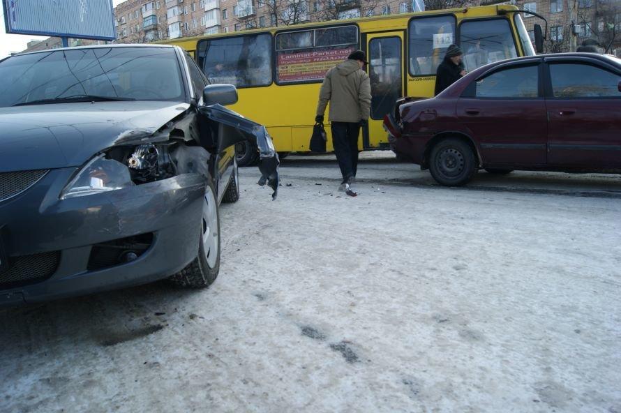 Авария на «1000 мелочей» спровоцировала километровую пробку (ФОТО), фото-1