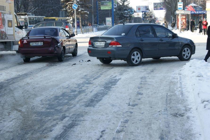 Авария на «1000 мелочей» спровоцировала километровую пробку (ФОТО), фото-2