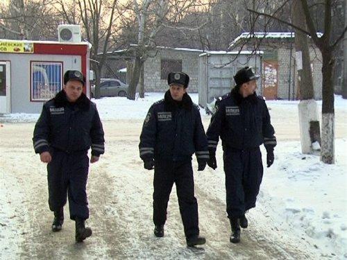 24_12_2012_Мариуполь_милиция_спасает_от_переохлаждения_2s