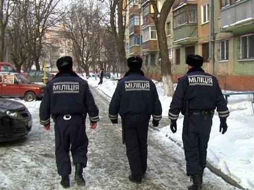 24_12_2012_Мариуполь_милиция_спасает_от_переохлаждения_3s