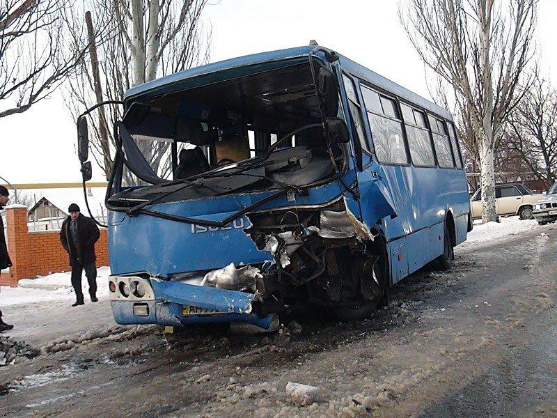 В Сартане микроавтобус врезался в маршрутку. Есть пострадавшие (Дополнено) (ФОТО+ВИДЕО), фото-1