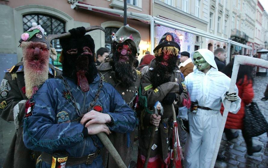 fest_PAMPUKH_4_wertepy_selo_VERKHNI_BILKY_Lviv-2011 (Kraws) 8097