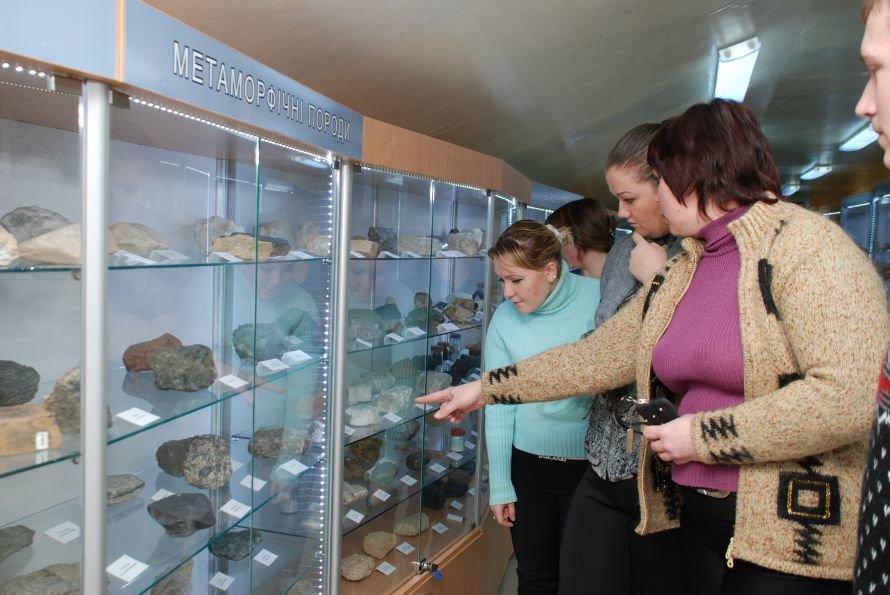 В Луганском университете открылся уникальный музей камней (ФОТО), фото-3