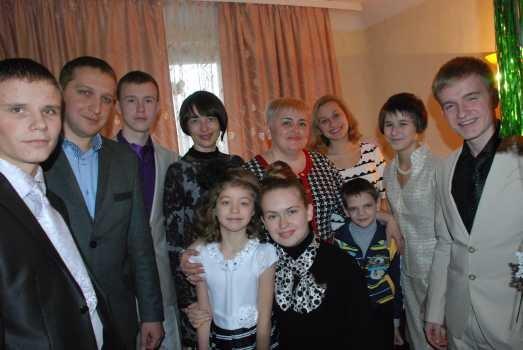 В Кременчуге с Новым годом поздравили воспитанников детского дома семейного типа, фото-1