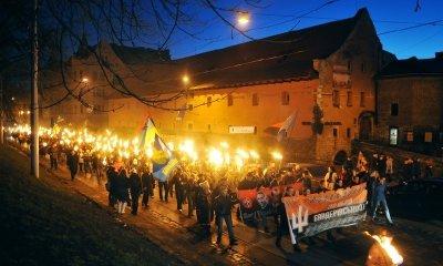 День рождения Бандеры на Украине отметили факельными шествиями, фото-1