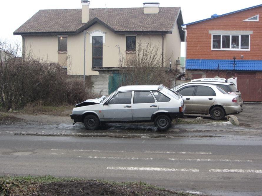 В Днепропетровске из-за столкновения с «легковушкой» перевернулся грузовик (ФОТО), фото-3