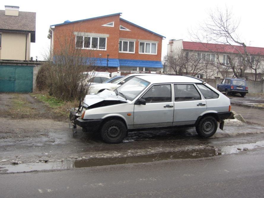 В Днепропетровске из-за столкновения с «легковушкой» перевернулся грузовик (ФОТО), фото-5