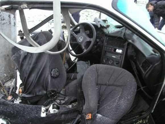 Смертельное ДТП в Кривом Роге: «Audi» разорвало вокруг электроопоры. Четверо пострадавших. Водитель погиб на месте (ФОТО), фото-2