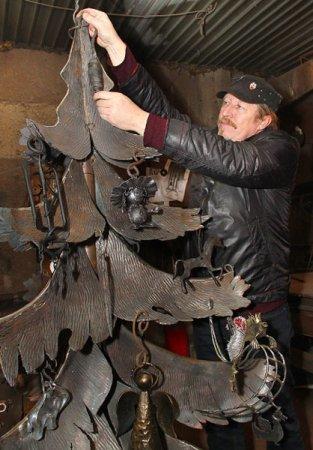 Мариупольские кузнецы отправятся в Донецк ковать свой металлический прообраз (ФОТО), фото-1