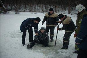 В Полтаве 12-летний мальчик застрял в рыбачьей лунке, фото-1
