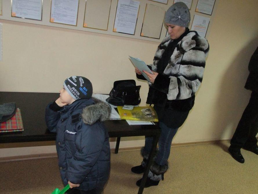 Операция «Регистрация» - в Донецке, чтобы  оформить документы на недвижимость, люди занимают очередь в 6 утра (фото), фото-4