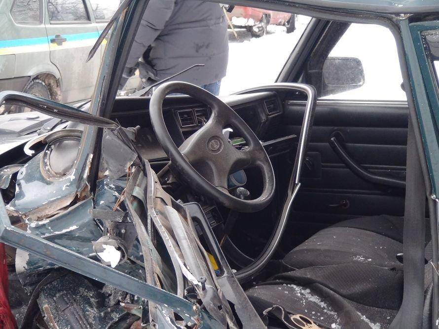 ДТП на въезде в Мариуполь. Столкнулись два авто. Погиб водитель. За рулем одной из машин находился сотрудник милиции (ФОТО ВИДЕО), фото-8