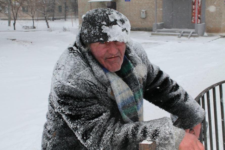 Литр самогона для согрева: как артемовского бомжа спасали от мороза, фото-7