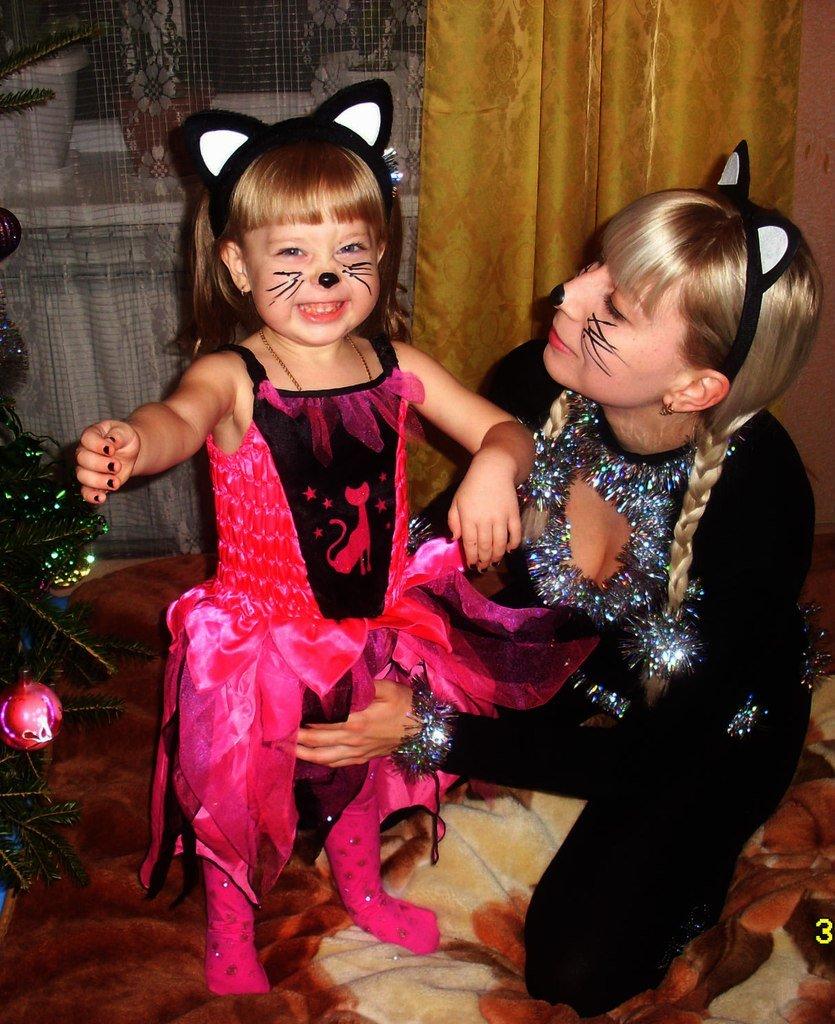 Анна и Дианочка Маевские ждут Деда Мороза