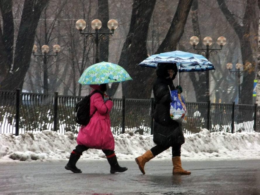 Оттепель превратила улицы Донецка в мокрую «снежную кашу» (фото), фото-2