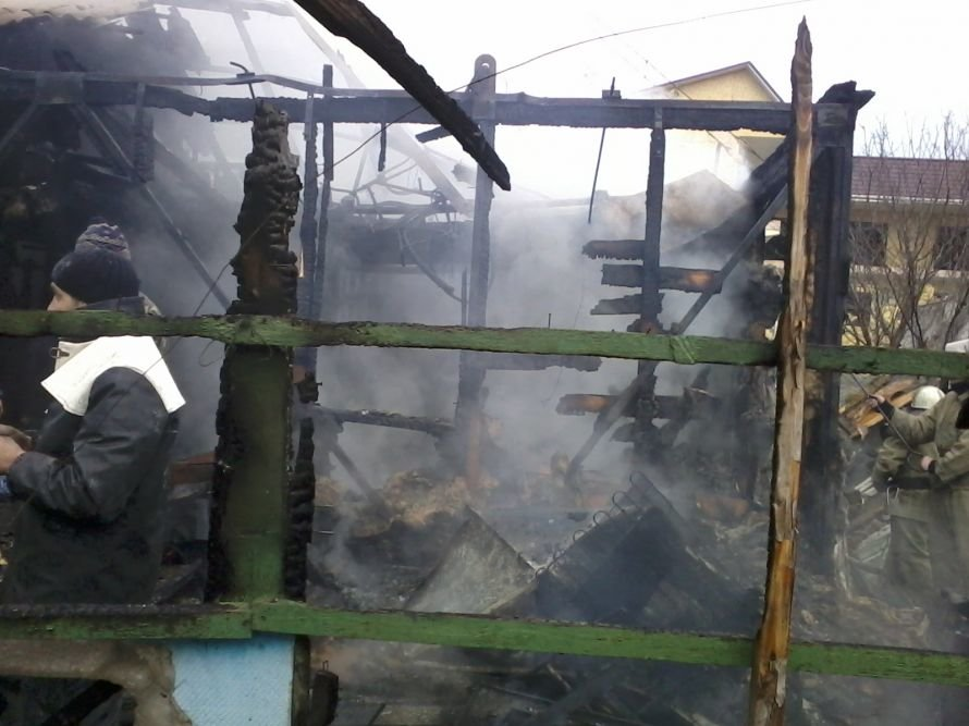 В судаке сгорел жилой дом: погибли два человека (шокирующие ФОТО), фото-1