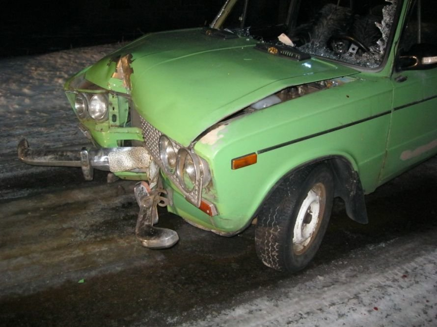 В Добропольском районе ВАЗ врезался в опору линии электропередач. Есть пострадавшие., фото-1