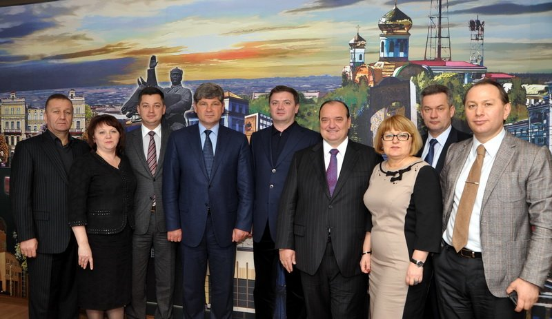 Мэр Кравченко надеется, что луганские нардепы принесут городу много пользы (ФОТО), фото-3
