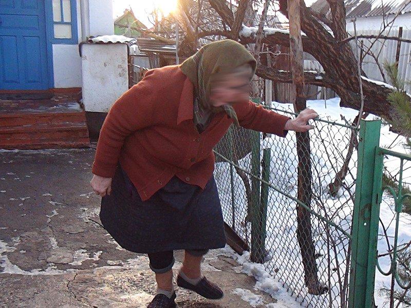 В Киеве установили личность мошенников, «лечивших» мариупольскую старушку таблетками от простатита, фото-1
