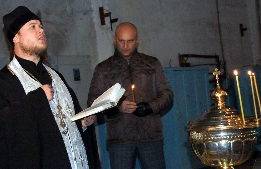 Впервые в донецкой истории накануне Крещения освящена водопроводная вода (фото), фото-3