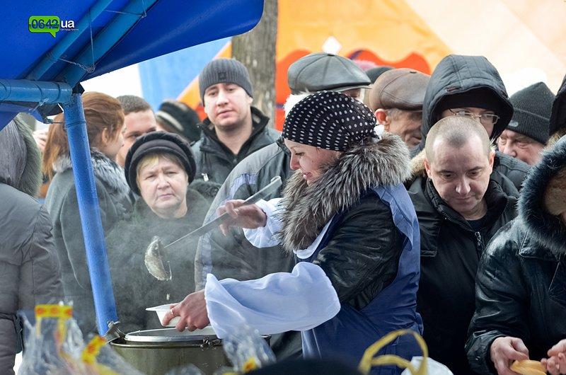 Сегодня луганчане вместе с мэром смывали грехи на «Восмерке» (ФОТО), фото-6