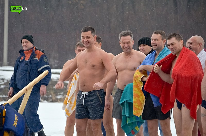 Сегодня луганчане вместе с мэром смывали грехи на «Восмерке» (ФОТО), фото-5