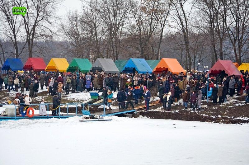 Сегодня луганчане вместе с мэром смывали грехи на «Восмерке» (ФОТО), фото-2