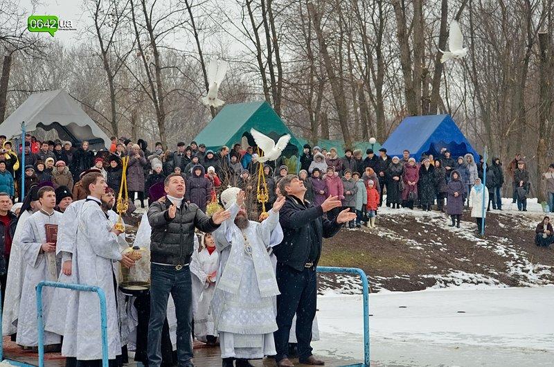 Сегодня луганчане вместе с мэром смывали грехи на «Восмерке» (ФОТО), фото-4