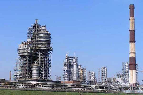 Кременчугский НПЗ сократил переработку сырья на фоне роста производства, фото-1