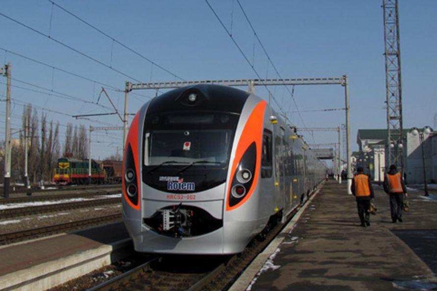 Только 20 пассажиров решили судиться с железной дорогой  за поездки на «Хюндае», фото-1