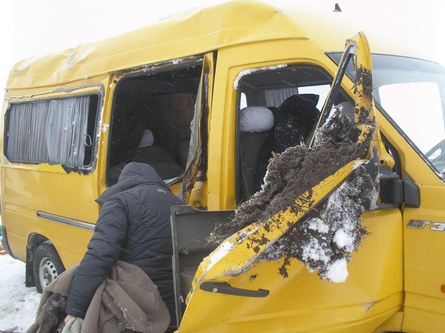 На Житомирщині перекинувся мікроавтобус з 7 пасажирами, фото-1