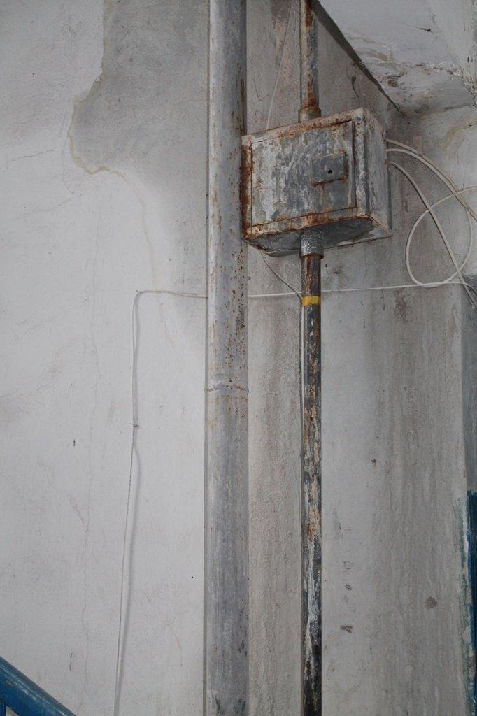Артемовск: в пятиэтажке четвертый год течет крыша, фото-2