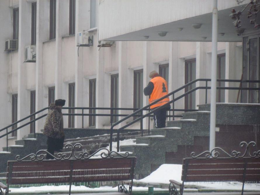 Мариуполь освобождают от снега и льда (Фоторепортаж), фото-8