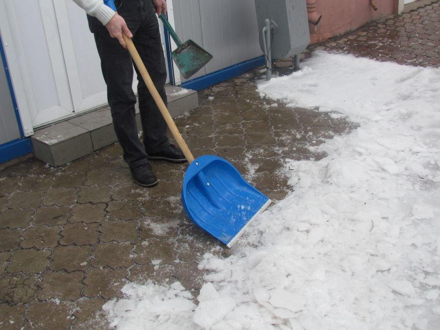 Мариуполь освобождают от снега и льда (Фоторепортаж), фото-6