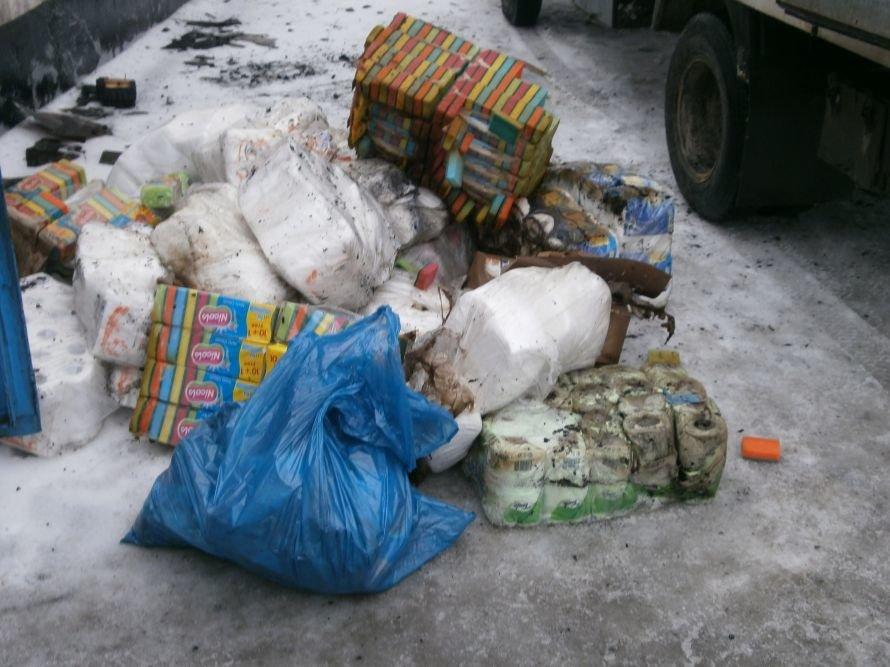 Сегодня Мариуполь чуть не остался без запасов туалетной бумаги (ФОТО), фото-2