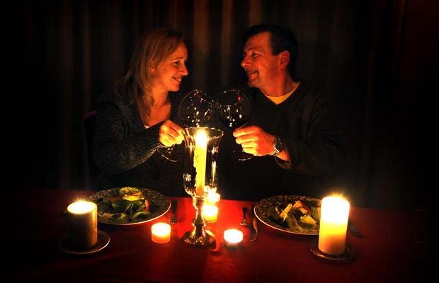 Вчера жители Кременчуга наслаждались романтическим вечером при свечах, фото-1