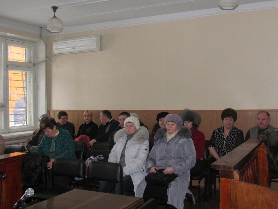 В Мариуполе 33 пострадавших от действий оконной аферистки требуют честного приговора (ФОТО), фото-3