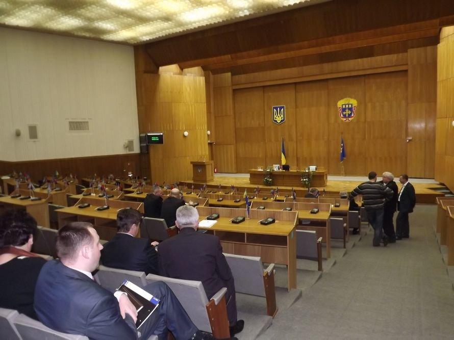 Сесія зірвана, а Тернопільська облрада на грані розпуску – мільйони можуть піти на  позачергові вибори (фото), фото-1
