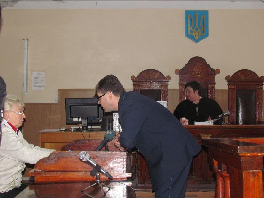 В Мариуполе оконная мошенница 2,5 года проведет в тюрьме (ФОТО), фото-2