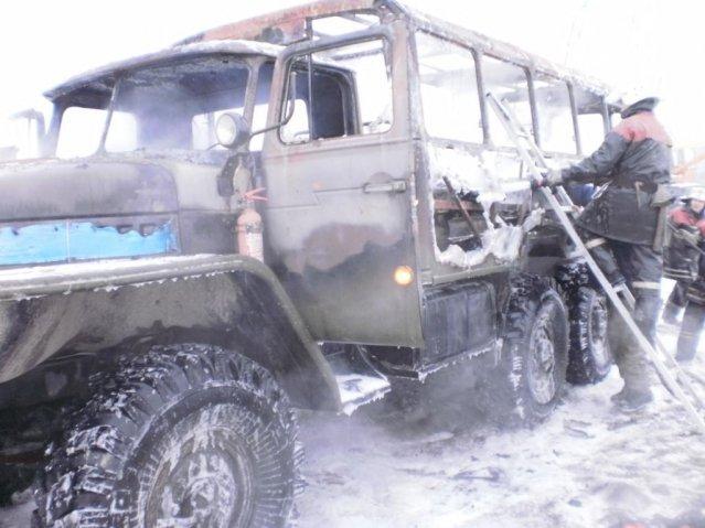 Вчера в Кременчугском районе чуть не взорвался «Урал» с газовыми баллонами внутри, фото-1