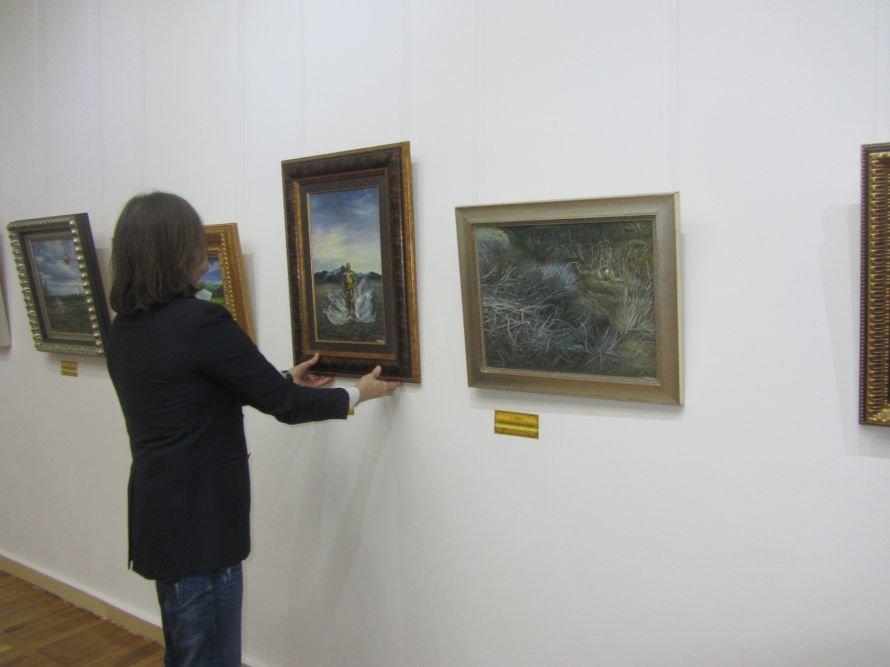 VIP-персоны пожаловали на открытие выставки Никаса Сафронова в Днепропетровске (ФОТОРЕПОРТАЖ), фото-2