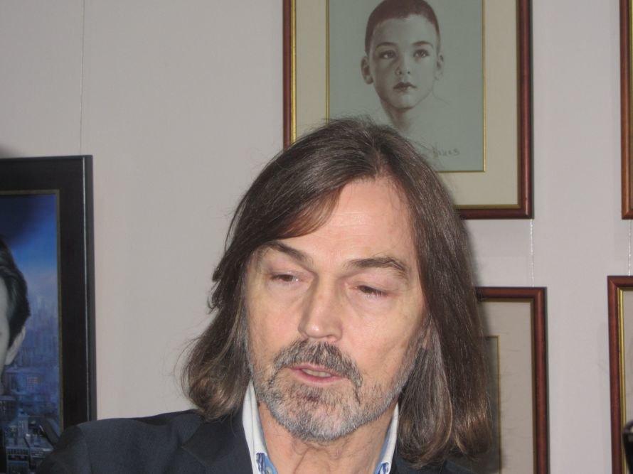VIP-персоны пожаловали на открытие выставки Никаса Сафронова в Днепропетровске (ФОТОРЕПОРТАЖ), фото-3