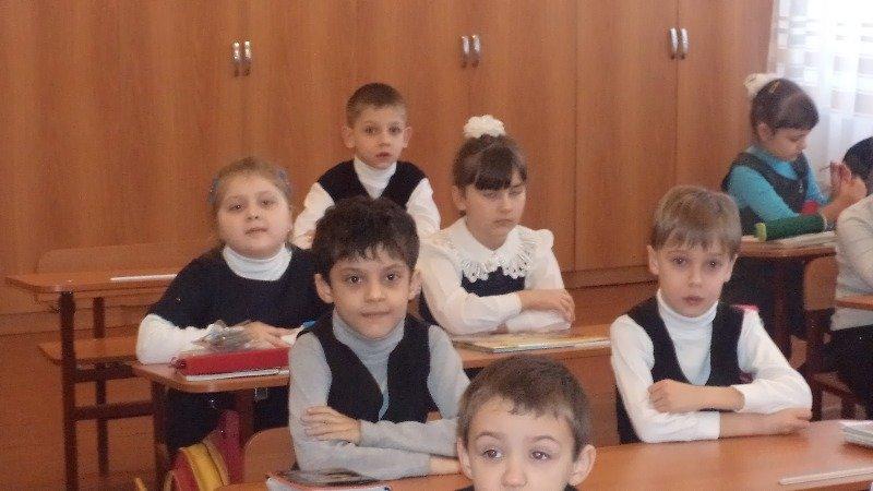 Мариупольские первоклашки доказали, что добру все возрасты покорны (ФОТО), фото-2