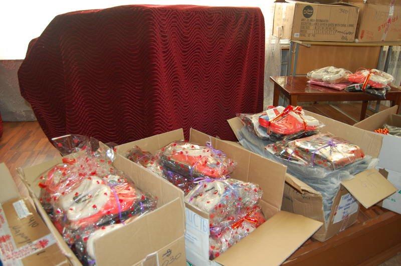 Итальянцы передали мариупольским сиротам обувь и одежду на 20 тыс. евро (ФОТО), фото-1