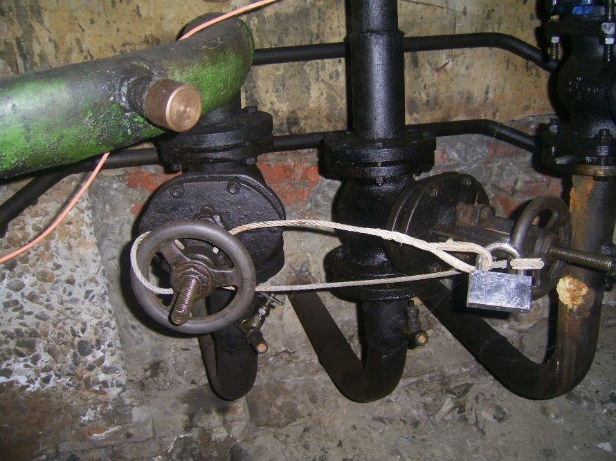 В Мариуполе работники ЖКП решили «поджарить» жителей девятиэтажки (ФОТО), фото-1